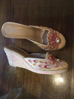 Zapatos taco chino