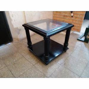 mesa ratona de madera y vidrio $