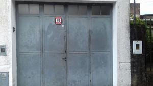 vendo sillas hierro y algarrobo y portón