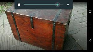 Antiguo baúl más de 100 años