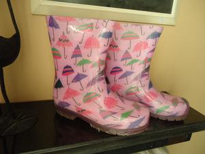 Botas para lluvia, marca MAGNETO, para nena. IMPECABLES $200