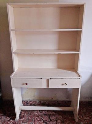 Escritorio biblioteca color blanco.