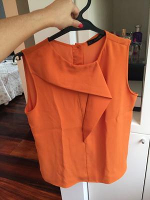 Remera marca Zara