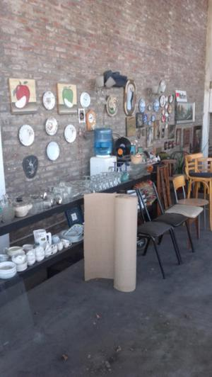 Varios, sillas,mesas,muebles antiguos etc.