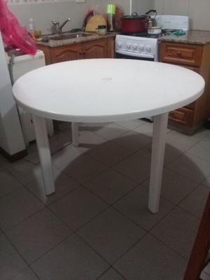 Mesa Redonda de Plastico Blanca de 120 cm
