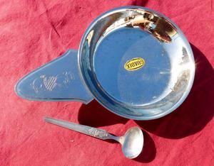 Plato y cucharita para bebe de acero inoxidable. Vintage