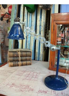 lámpara tijera de mesa
