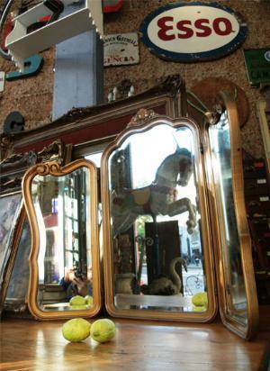 marco de estilo tríptico con espejos de cristal biselados