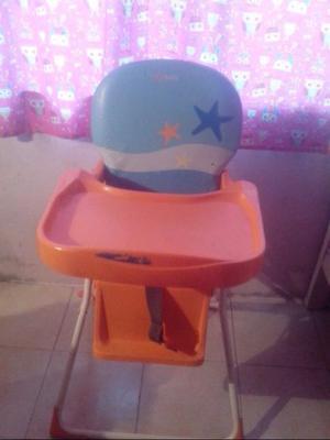 se vende silla de comer para bebé