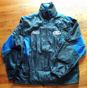Campera rompe viento talle L (Impecable)
