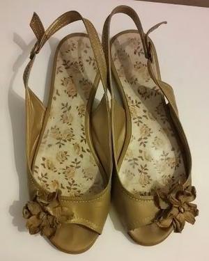 Chatitas sandalias beige dorado Talle 37 viamo