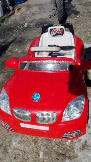 Vendo auto a bateria excelente estado