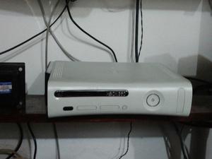 XBOX 360 Jasper disco 120gb + 2 Joysticks wireless