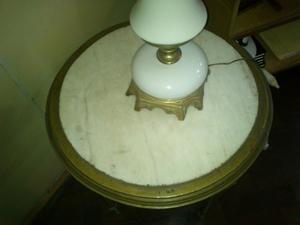 mesa antigua estilo ingles con marmol