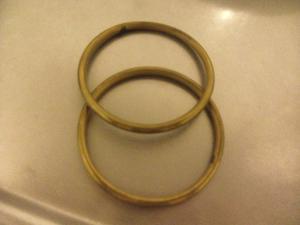 2 pulseras de bronce macizo de 7,5 cm de diámetro