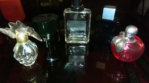 Frascos vacíos de perfumes