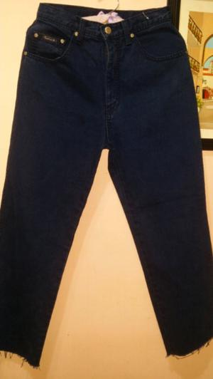 Jeans azul oscuro impecable