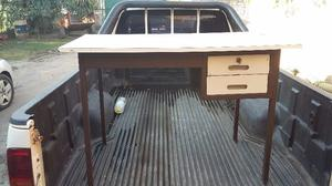 Práctico escritorio a muy buen precio