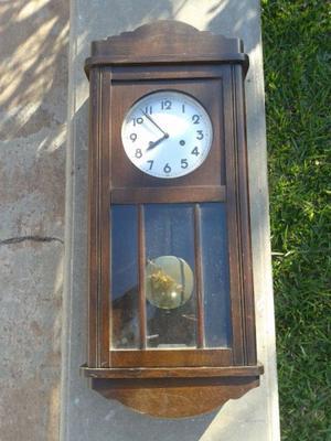 Reloj Junghans antiguo de pared con péndulo