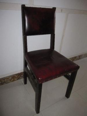 Sillas de Madera con asiento y respaldo tapizados