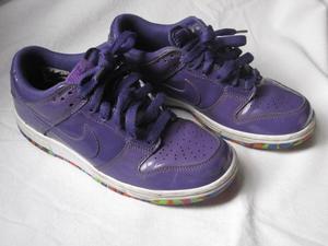 Zapatillas mujer violeta charolado numero 35 y 1/2