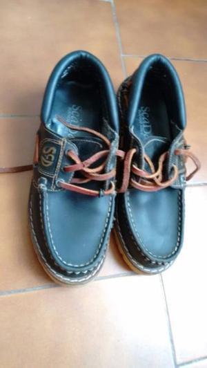 Zapatos colegiales de cuero negros talle 36