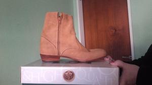 vendo botas de carpincho una sola postura muy buen estado