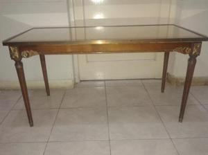 vendo mesa de living antigua. un lujo. nalo.