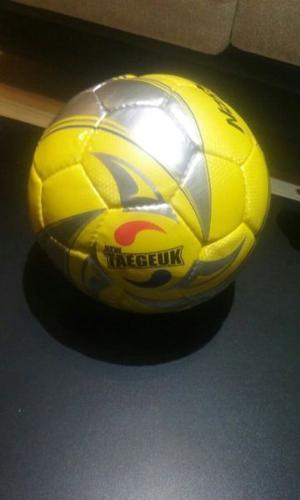 Pelota futbol nassau new taegeuk nº4 futsal papi 1 2 pique 517b76e15bbaa