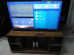 Smart TV - Hitachi 55 pulgadas + Mesa + Home theater