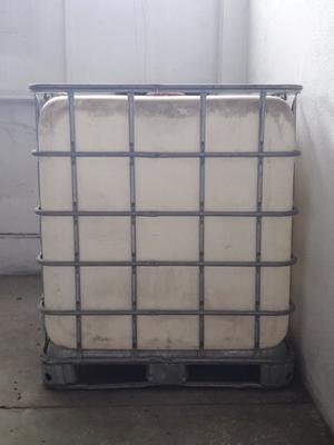Tanques de  litros con jaula