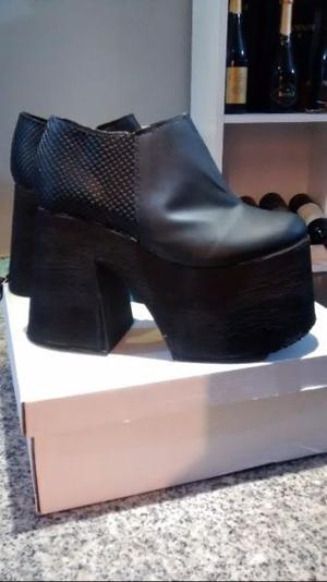 Vendo botas nuevas, nro 37!!