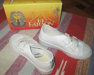Zapatillas blancas unisex nro 33 nuevas