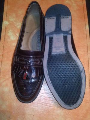 zapato de cuero, color guinda, nuevos sin uso, hermosos