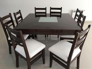 Juego de mesa y sillas de madera maciza