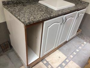 Mesada cocina granito imitacion marmol con pileta posot for Mesada de granito