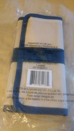 Billetera de mujer maXfactor, tela plastificada