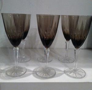 Juego de copas de cristal.negro