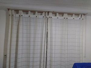 Vendo 2 juegos de cortinas con barrales