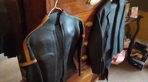 Vendo 2 trajes de neoprene