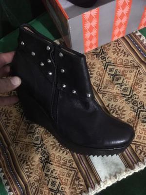 Botas Caña Baja Negras Con Tachas Talle 36 Cuero 100 %