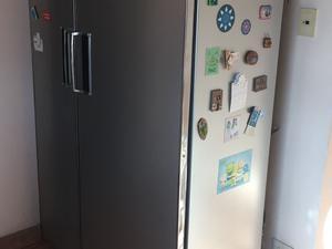 Heladera con Freezer doble puerta única!