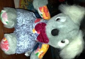 Koala de peluche gris, vestido con enterito 20 cm
