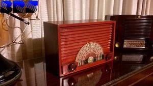 Radio antigua a valvulas General Electric