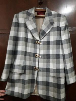 Sacon nuevo de lana 100% marca Chatelet talle 48 elegante y