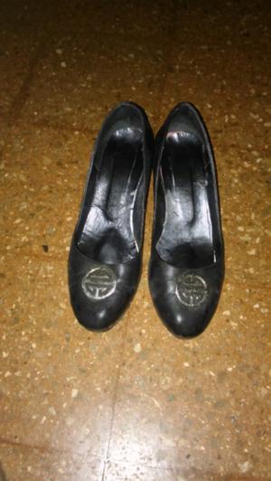 Sapatos marca febo poco uso de cueros