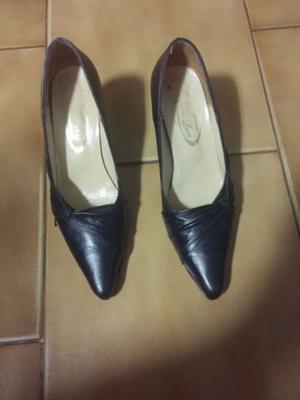 Zapatos de cuero clásicos color negro