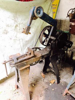 serrucho eléctrico trifásico alemán funcionando