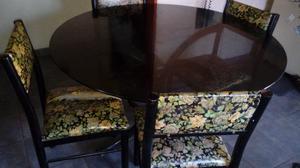 Mesa de vidrio con 4 sillas