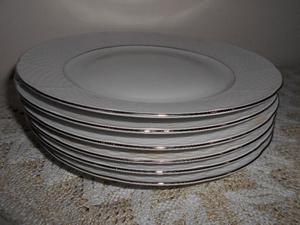 Set de seis platos playos de porcelana checa
